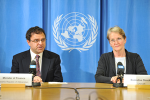 2)	Finance Minister of Afghanistan, Mr. Omar Zakhilwal responds to journalist's questions at a press conference held at the Palais des Nations headquarters of the United Nations Office in Geneva as UNITAR's Executive Director, Ms. Sally Fegan-Wyles looks on.
