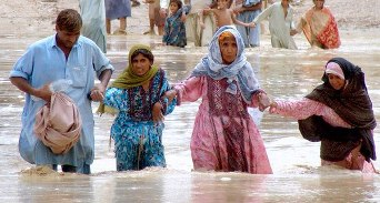 People escaping from the flood