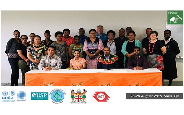 Group photo of participants, trainers and opening speakers from the Ministry of Economy, Fiji.