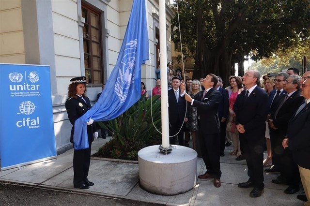 "UN Flag raising in ""Casita del Jardinero"" (Cifal Malaga Unitar Office)"