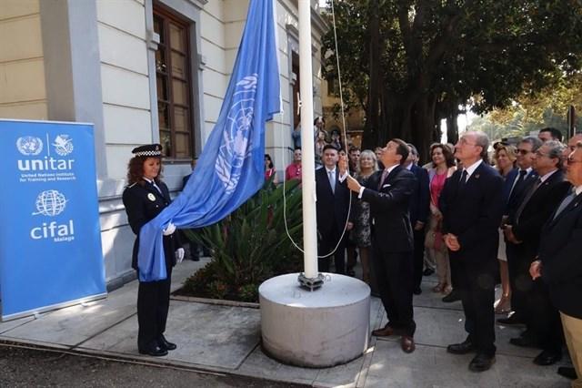 """UN Flag raising in """"Casita del Jardinero"""" (Cifal Malaga Unitar Office)"""