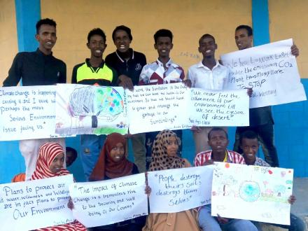 Students in Sheder Refugee camp research climate change and prepare for the Youth Climate Dialogue