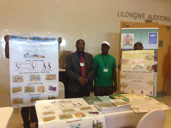 Malawi launches secondary school sourcebook on climate change